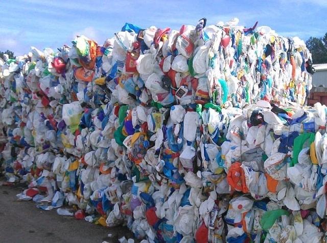 Nhựa phế liệu bao nhiêu tiền 1kg