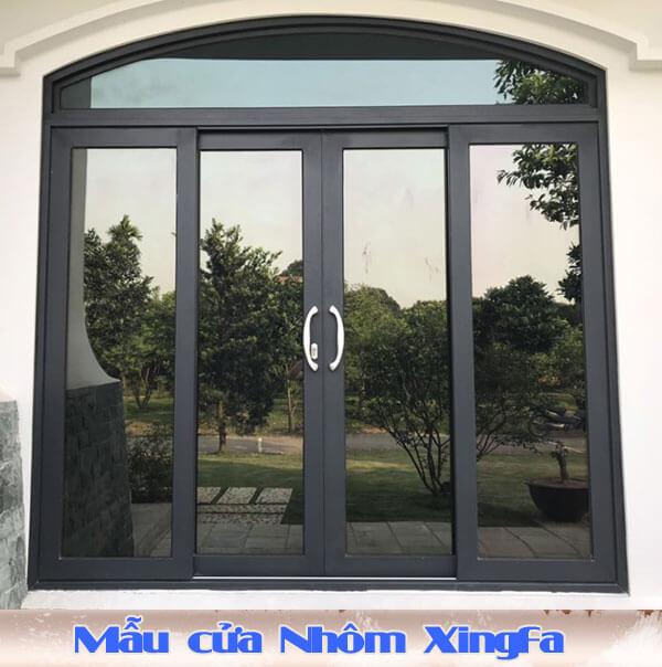 Mẫu cửa làm bằng Nhôm Xingfa