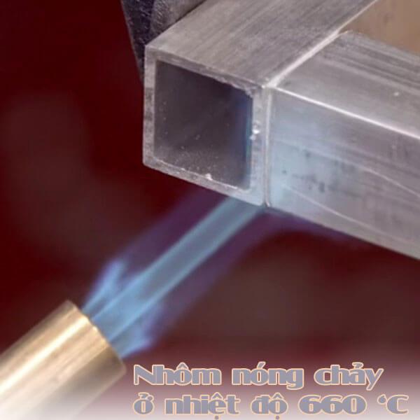 Nhiệt độ nóng chảy của nhôm là 660 độ C