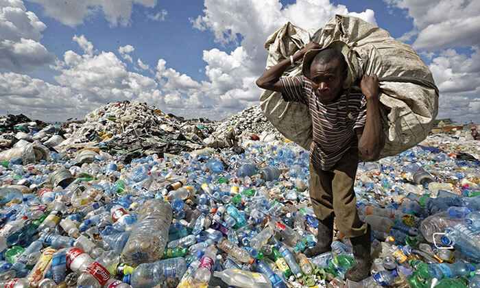 Rác thải nhựa đang là vấn đề quan trọng được nhiều quốc gia trên thế giới quan tâm và giải quyết