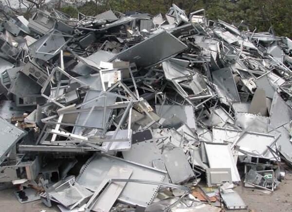 Thiếc phế liệu tạo nguồn thu cho doanh nghiệp và có khả năng tái chế